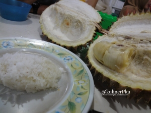 Pulut durian Radit